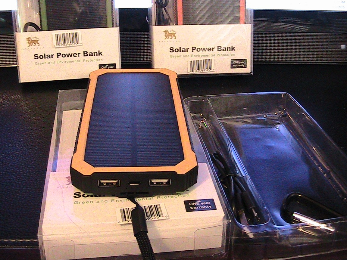 U.S Brand Solar Power Bank U0026 AC Power Charger Unit Actual 4000 MAh Beetle I  Model# ...