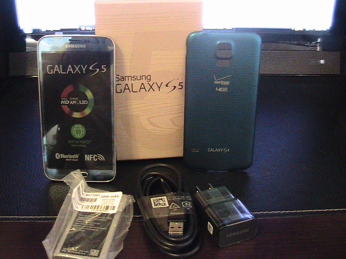 Samsung Galaxy S5 G900A 16GB Blue Unlocked T-mobile AT&T GSM Phone OEM Package